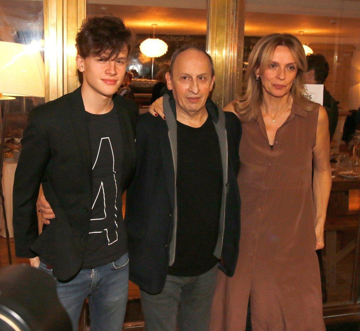 Jáchym Kraus se svými rodiči Janem Krausem a Ivanou Chýlkovou.