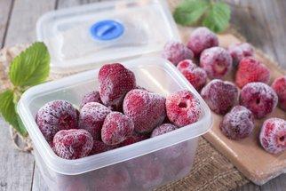 Jak zamrazit jahody, aby si zachovaly chuť a vůni? Tyhle 4 způsoby jsou nejlepší