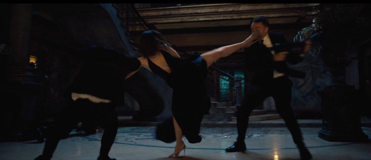 Ve filmu má Palome i pořádně akční scény.