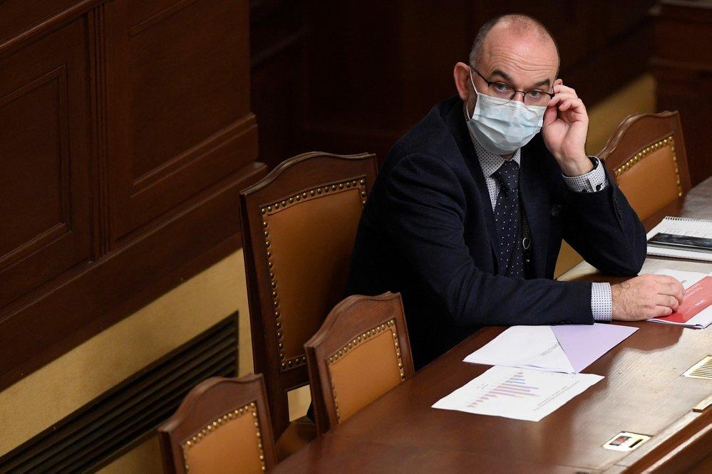Schůze Poslanecké sněmovny, 30. října 2020 v Praze. Na snímku je nový ministr zdravotnictví Jan Blatný (za ANO).