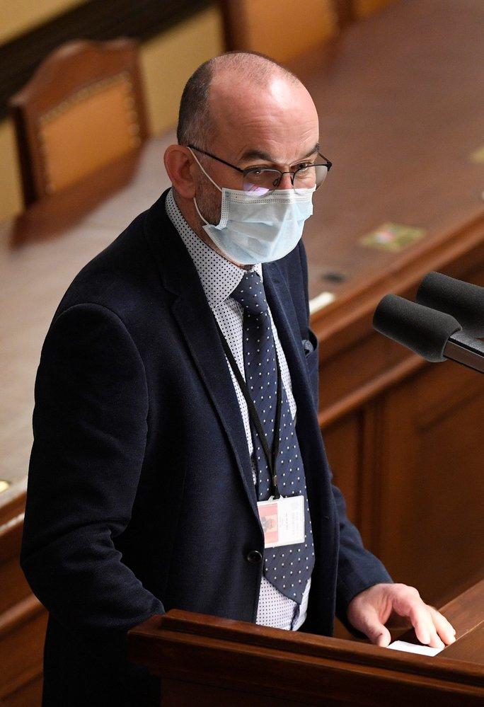 Schůze Poslanecké sněmovny, 30. října 2020 v Praze. Na snímku je nový ministr zdravotnictví Jan Blatný.