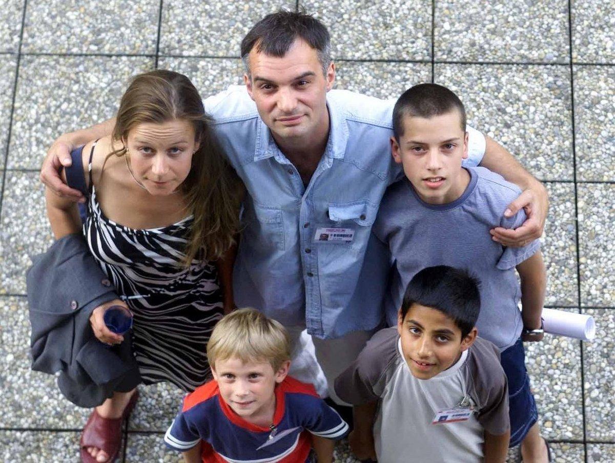 2002 Se svými filmovými brášky a rodiči Ivanem Trojanem a Petrou Špalkovou.