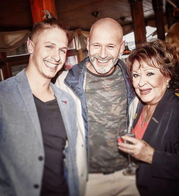 Jan Musil s partnerem a Jiřinou Bohdalovou