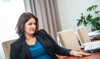 Další výdaje rozpočtu. Schillerová je pro zvýšení platů o inflaci, Maláčová chce přidat tři tisíce