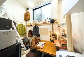 Takto se žije v japonských minibytech: Podívejte se, jaké vychytávky musí mít…