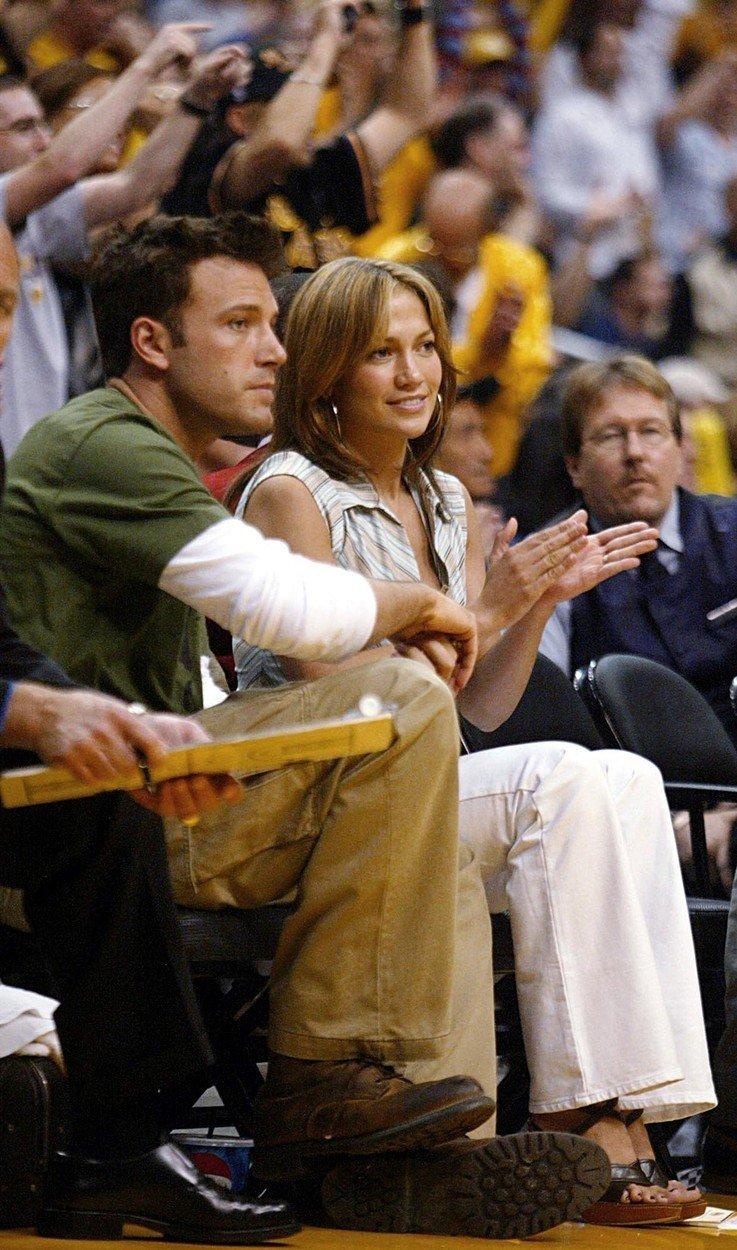 Ikonický, legendární a tolik romantický. Tak by se dal nazvat znovuobnovený vztah herečky a zpěvačky Jennifer Lopez a herce Bena Afflecka, ale i ten, ve kterém spolu byli před několika lety.