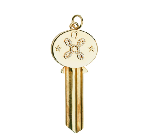 Klíč - 95 000 Kč, 18karátové zlato: Symbolizuje klíč k lásce. Lásku představuje i čtverec s kruhovými smyčkami v rozích (tzv. Bowenův uzel).