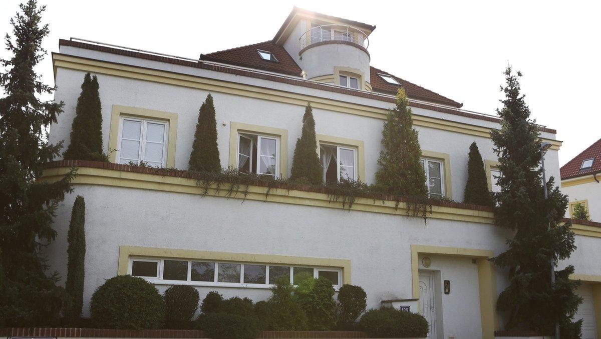 Praha 6: Této vily se už Adamcovi zbavili.