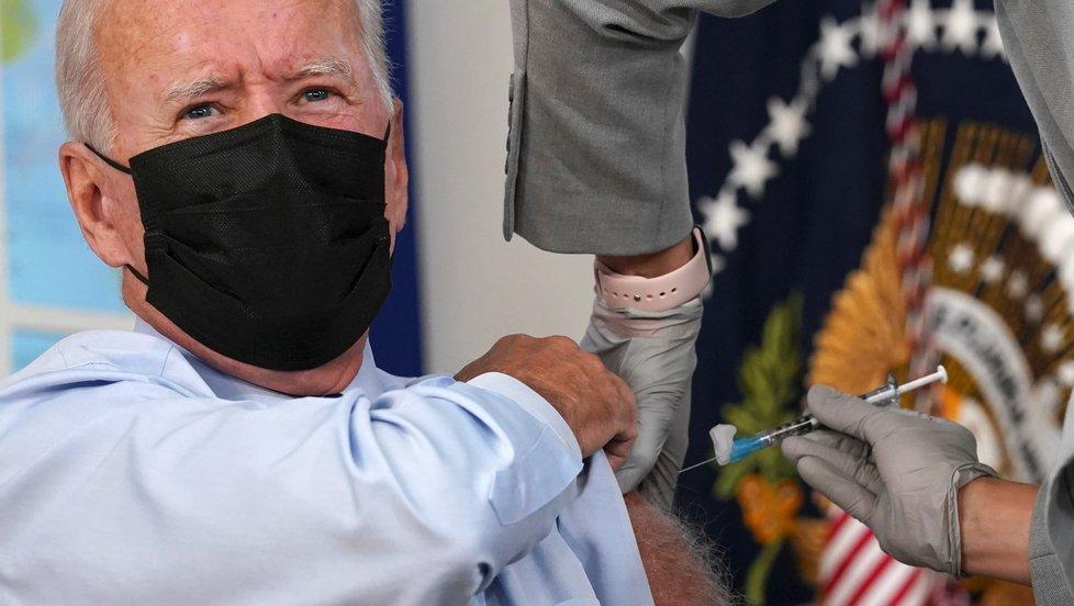 Prezident USA Joe Biden dotal třetí dávku vakcíny (27.9.2021)
