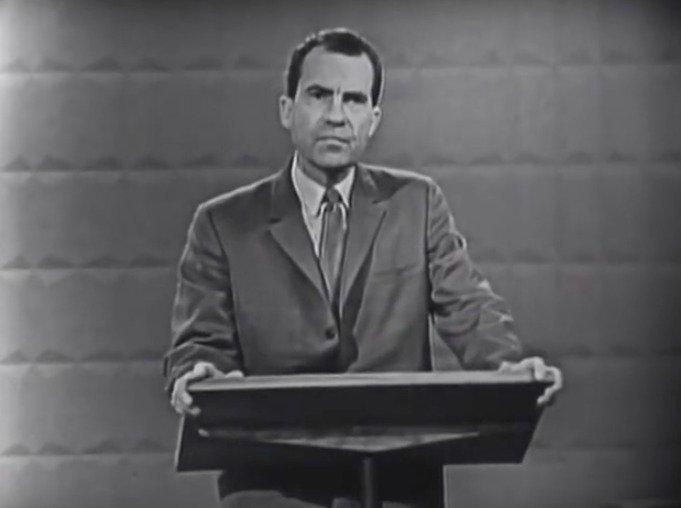 První televizní debata v historii voleb v USA mezi kandidáty Johnem Fitzgeraldem Kennedym a Richardem Nixonem.