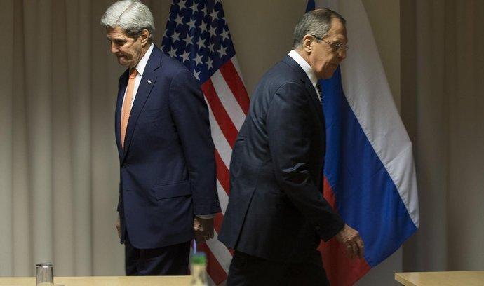 John Kerry a Sergej Lavrov