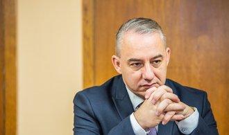 Odbory budou jednat s Babišem o mzdách, Středula chce plošné navýšení o tři tisíce korun