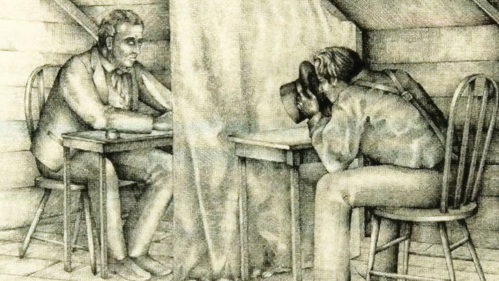 Překlad diktoval písaři tak, že kouká do klobouku, ve kterém prý má vidoucí kameny od anděla Moroniho
