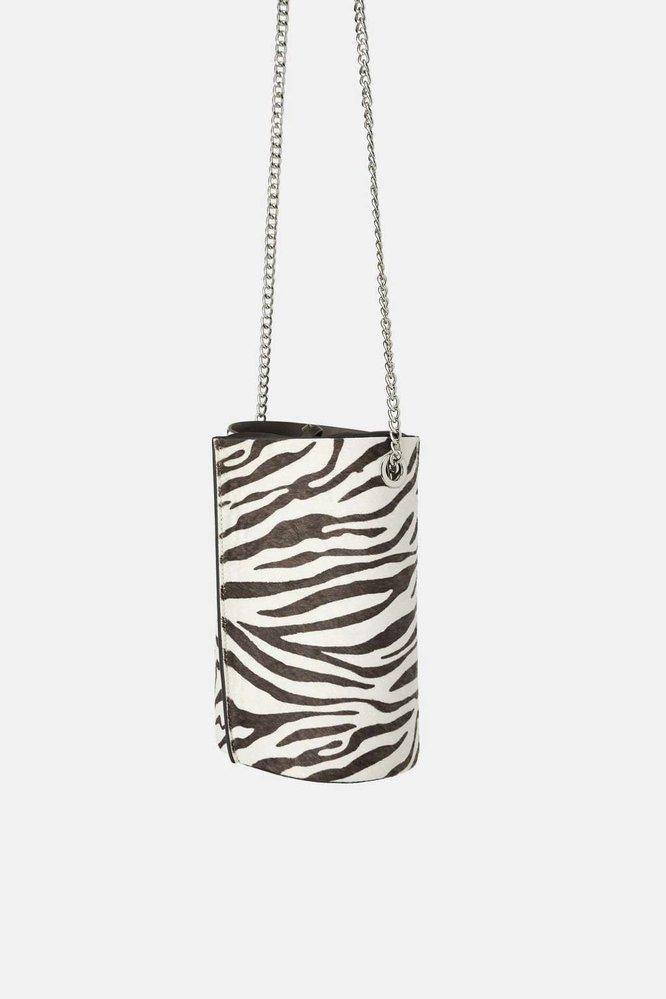 Kožená kabelka se zvířecím potiskem, Zara, 999 Kč
