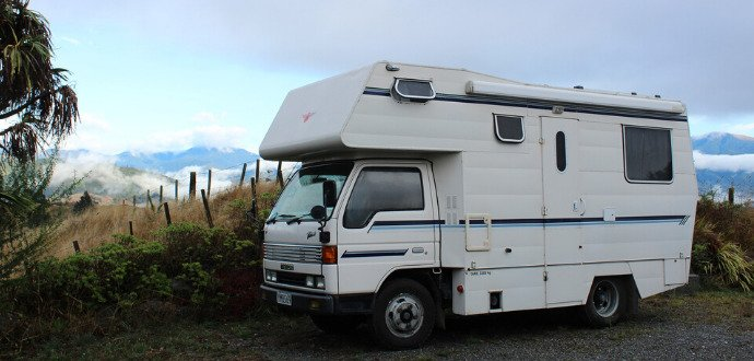 Dovolená na kolech: půjčte si ten správný karavan nebo obytňák