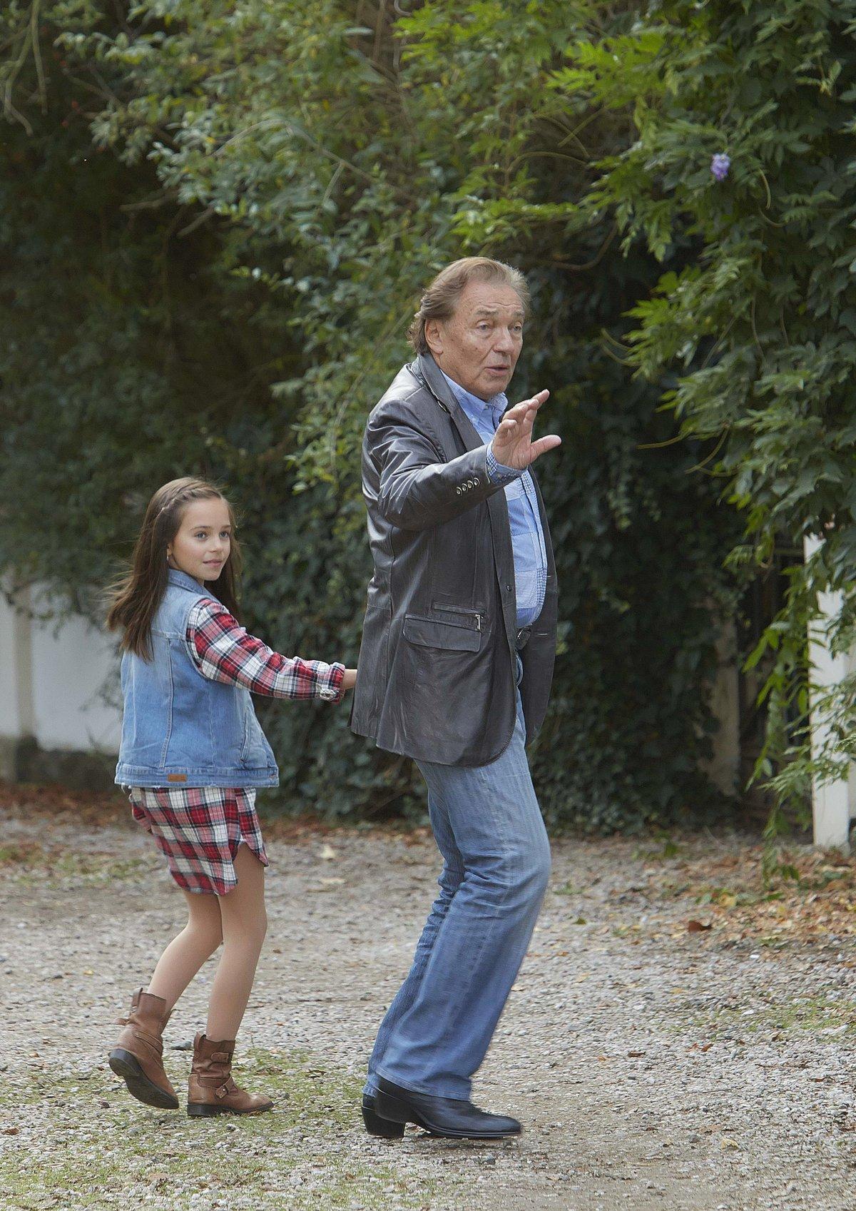 2016 film: Decibely lásky role: holčička Ve filmu také zpívala se svým otcem.