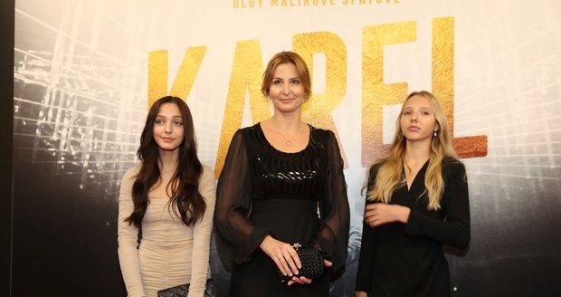 Premiéra filmu Karel: Ivana Gottová s dcerami Charlotte a Nelly