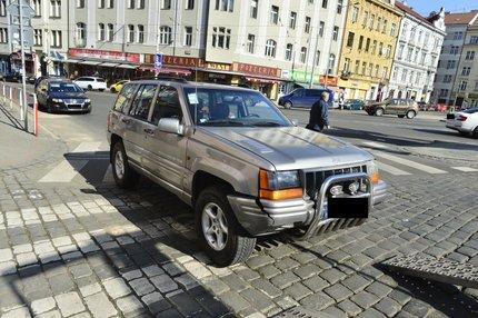 Kadlecův vůz byl po první nehodě jen lehce poškozen.