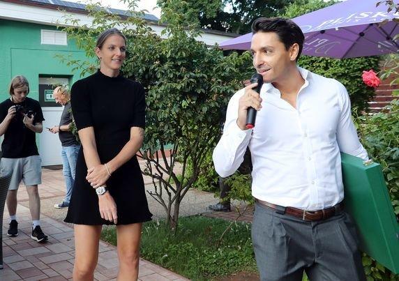 Manželé Michal Hrdlička s Karolínou Plíškovou