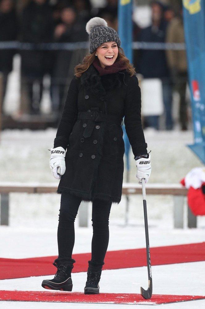Kate Middleton v kabátku Burberry