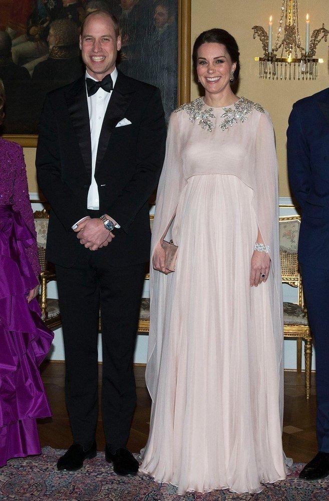 Kate Middleton v šatech Alexander McQueen