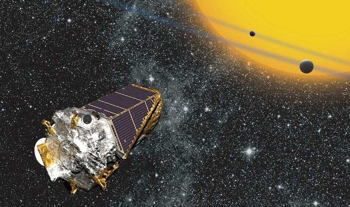 Únik. Takto se podle představ kreslíře NASA pomalu vzdaluje odZemě Keplerův teleskop