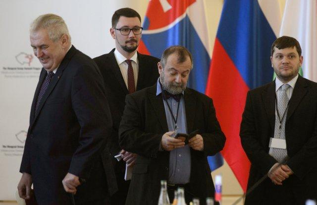 Miloš Zeman, Jiří Ovčáček a Hynek Kmoníček