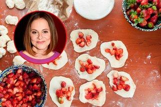 Vyzkoušejte recept Laďky Něrgešové! Už jste ochutnali pečené knedlíky s jahodami?