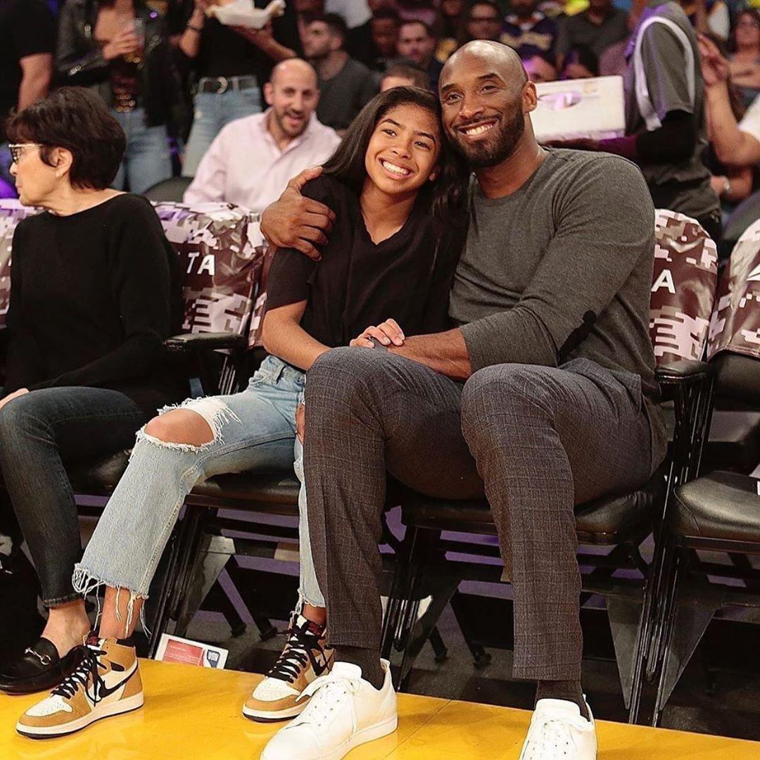 Milovníci basketbalu Kobe a Gigi Bryantovi