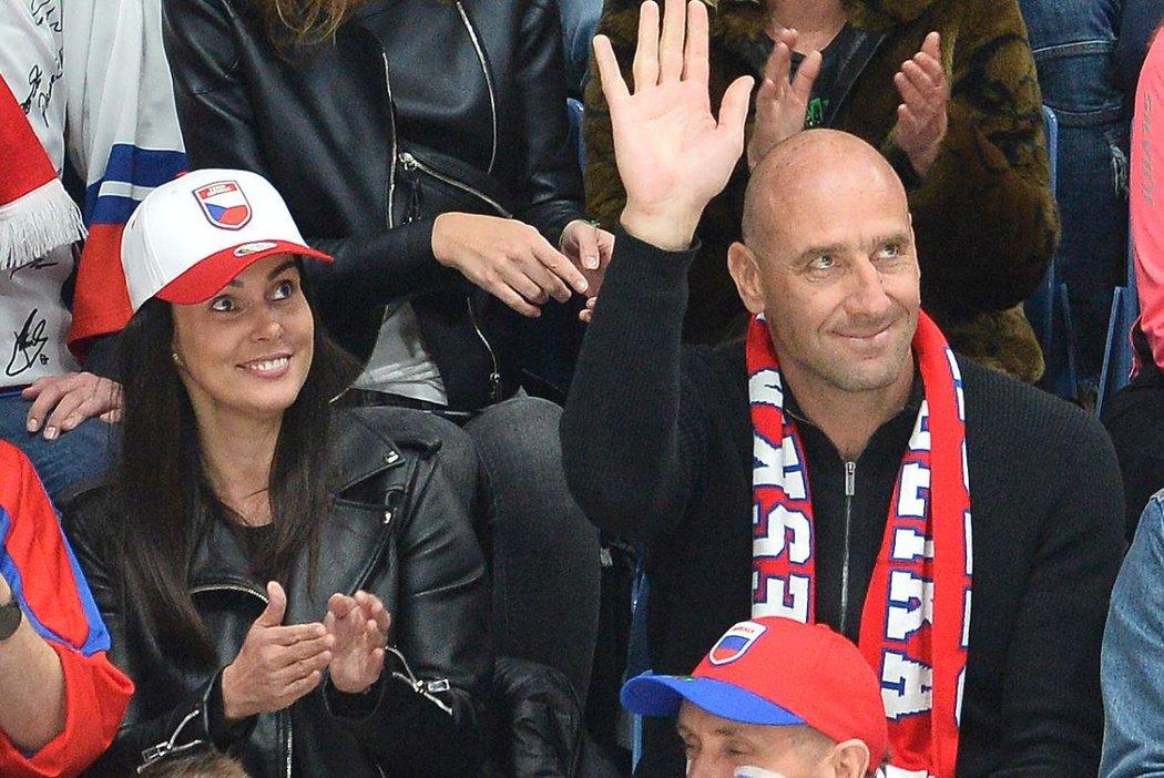 Nejlepší střelec v historii české fotbalové reprezentace Jan Koller vyvedl na hokej do Bratislavy svůj nový objev
