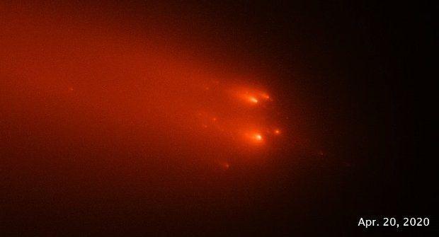 Ke Slunci se vrátila rozpadlá kometa, kterou lidé mohli vidět v době kamenné