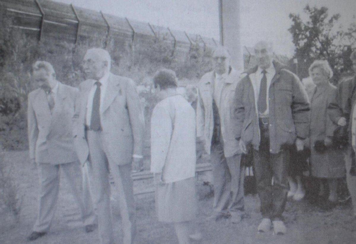 Miloš Kopecký si po válce prohlédl místa, kde stával koncentrační tábor.