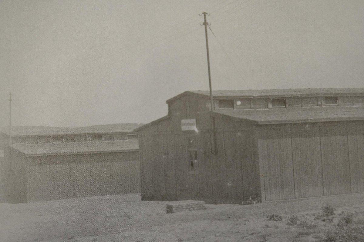 V táboře bylo sedm dřevěných baráků.