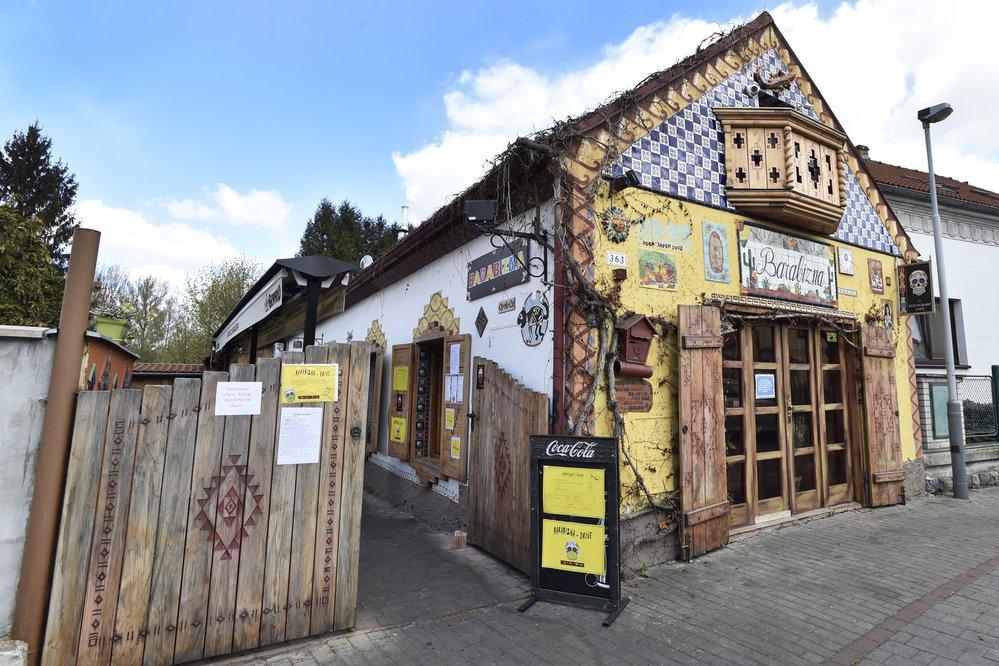 Do českých restaurací se pomalu začne vracet život, (15.04.2020).