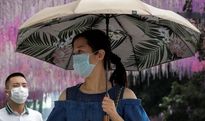 Z Číny se smrtící virus rozšířil do celého světa