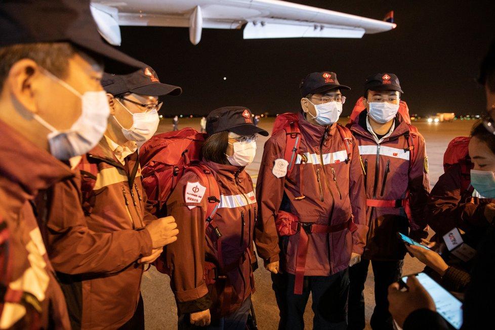 Zásilka zdravotnického materiálu z Číny dorazila do Srbska, (21.03.2020).