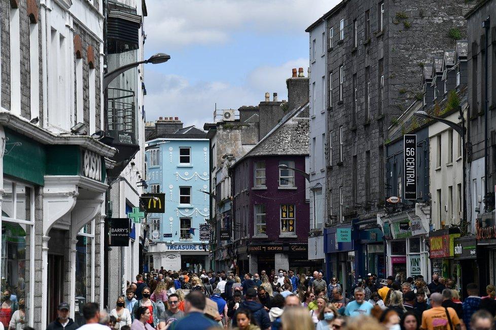 V Irsku si užívají rozvolnění.