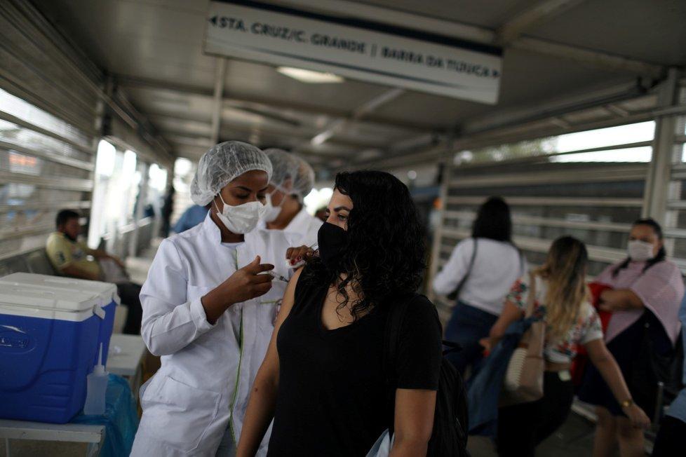 Očkování proti koronaviru v Brazílii