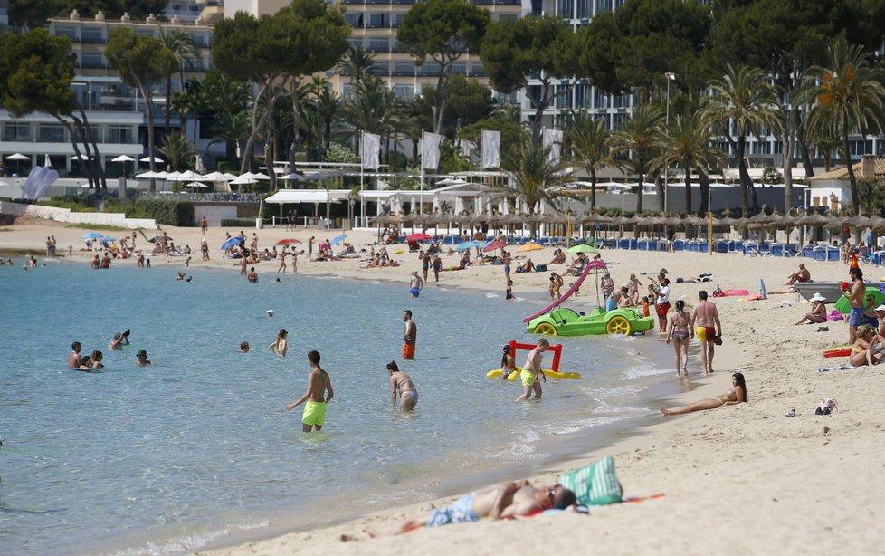Mallorca si pohoršila v cestovatelském semaforu.