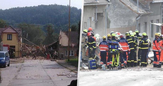 V Koryčanech vybouchl dům: Dva dobrovolní hasiči zemřeli!