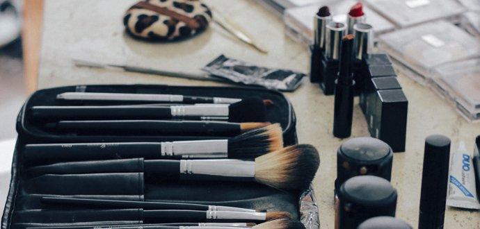 16 nepostradatelných věcí, které nesmí chybět ve vaší kosmetické výbavě