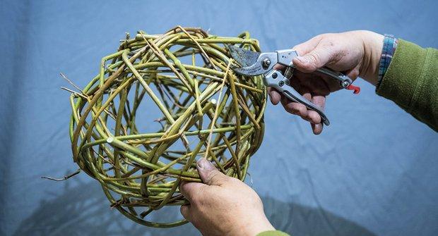 Košíkářská škola pletení: Jak udělat pletenou kouli