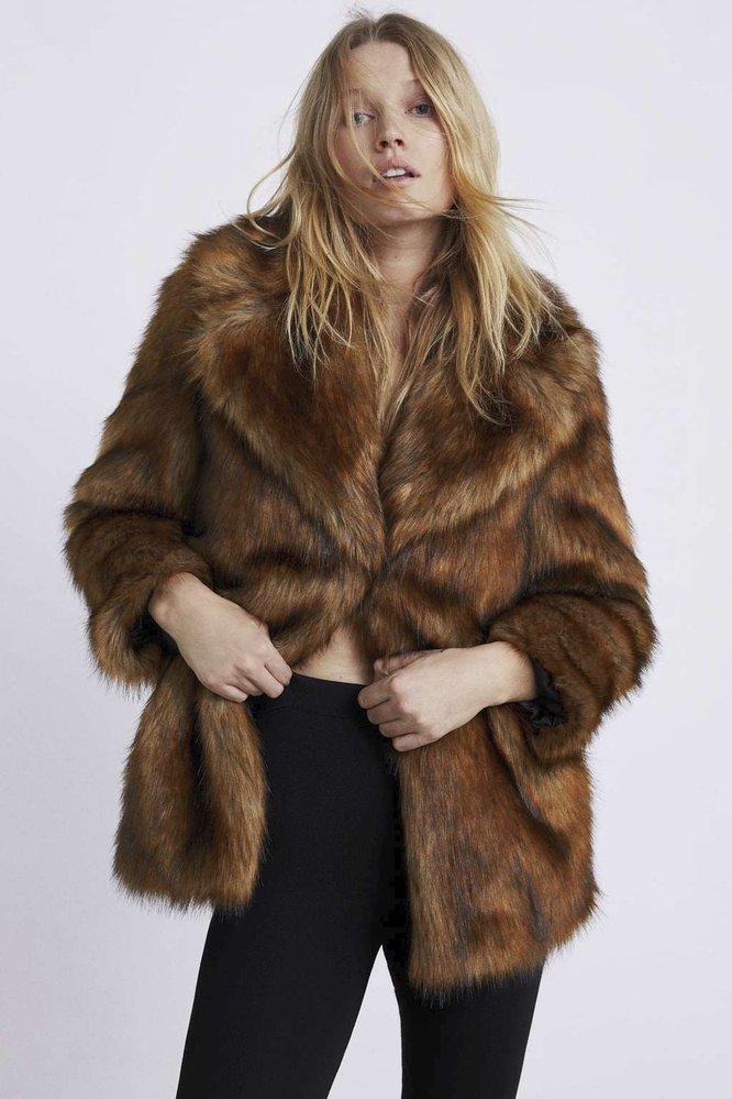 Kabát z umělé kožešiny, Zara, 2799 Kč