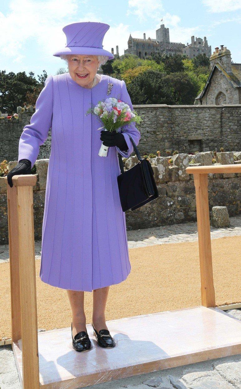 Královna Alžběta II. a její módní vkus: Boty má prověřené časem