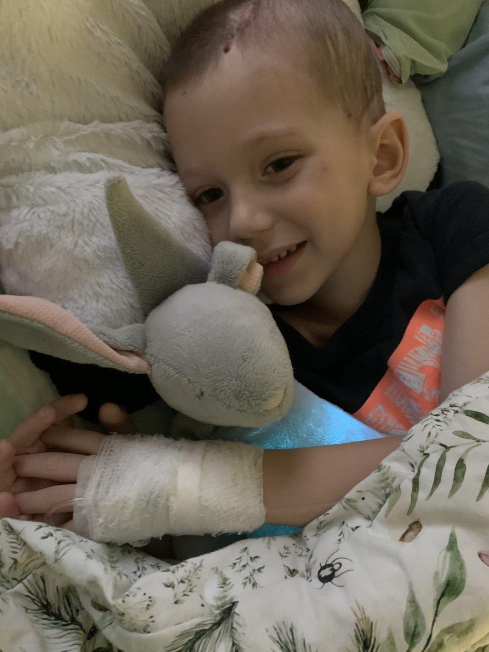 Eddiemu v nemocnici zjistili masivní krvácení do mozku,