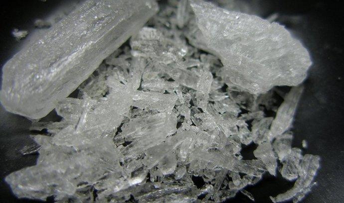 Krystaly pervitinu