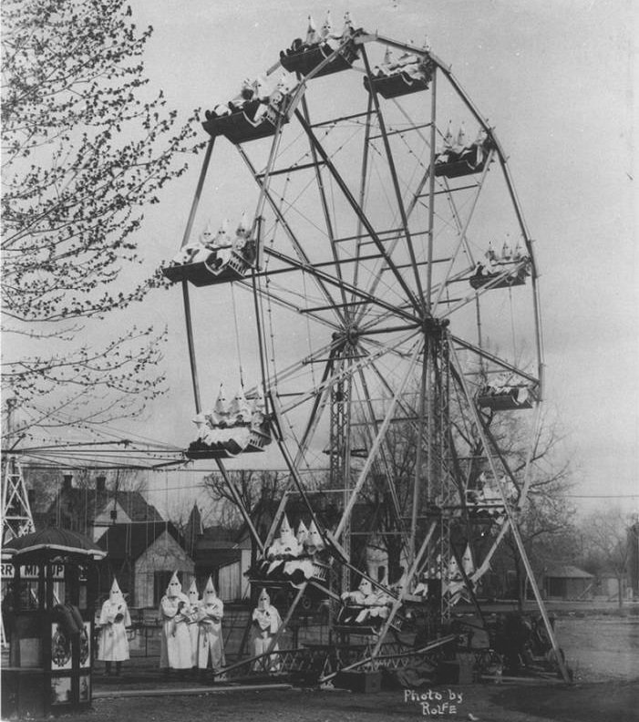 Takhle trávil volné chvíle Ku Klux Klan v roce 1925