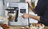 Co všechno dokáže kuchyňský robot? 5 věcí, které byste od něj nečekali