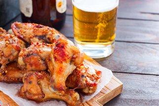 Kuře na pivu: Jak na šťavnatou delikatesu s vůní slaniny