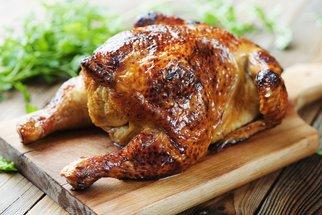 Recepty na kuře, které musíte vyzkoušet! Salát Caesar, poctivý vývar i špízy